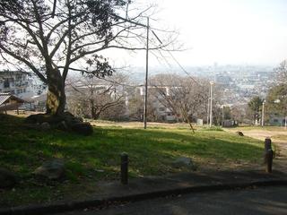 hiraoka_hiroba1.jpg